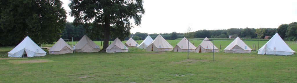 Zelte auf dem Gelände in Listrup