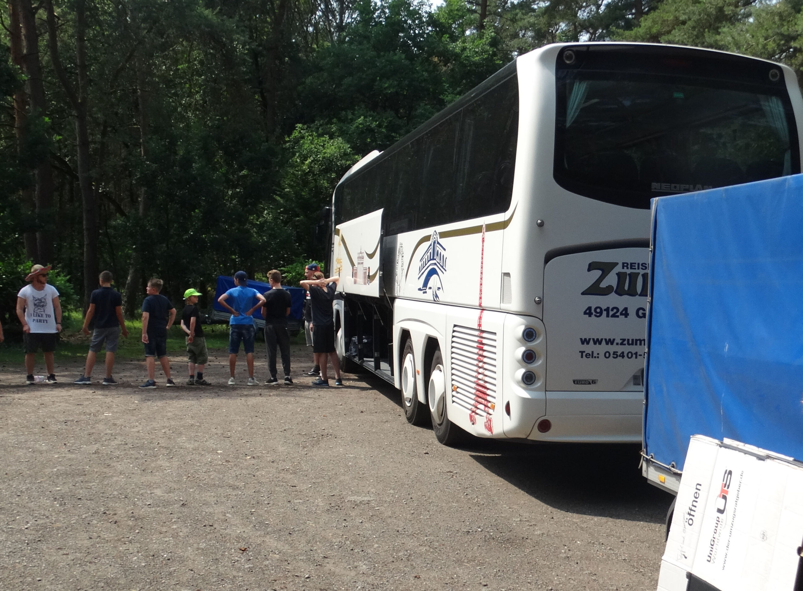 Reisebus in Hasenheide